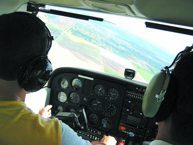 slow aircraft descent