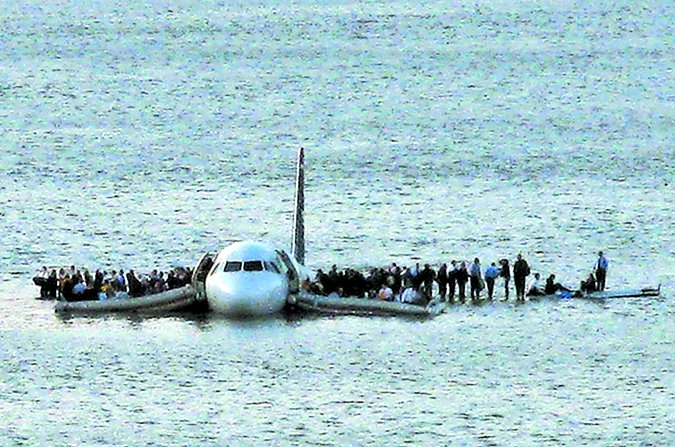 aircraft failure passengers on wings